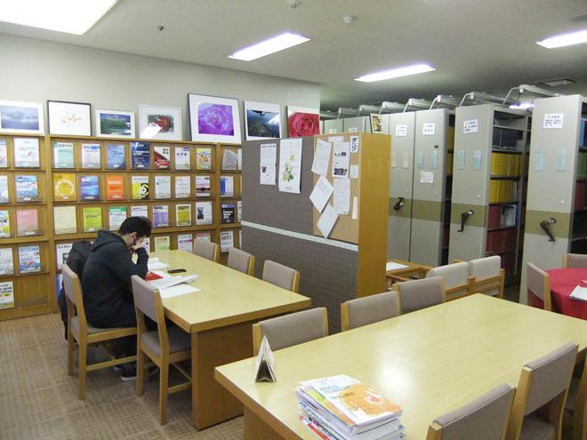 図書室自習スペース